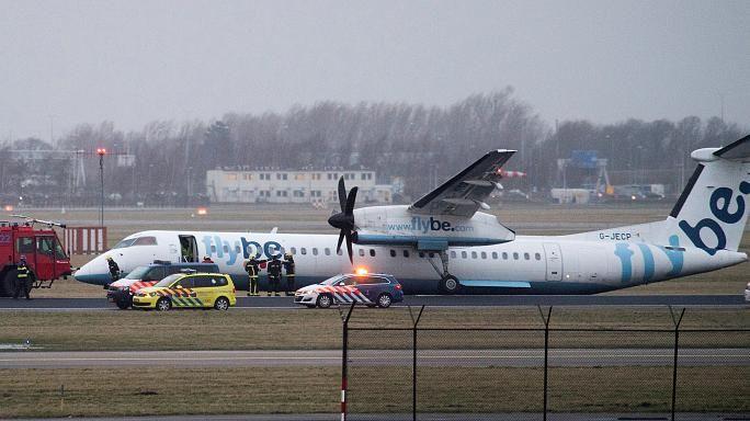 Aereo finisce fuori pista ad Amsterdam : nessuna vittima