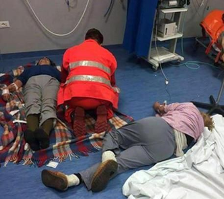 All'ospedale di Nola malati curati a terra : I medici sono eroi, lavorano senza mezzi
