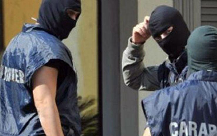 Bari : Fermato un uomo che inneggiava all'Isis sul web