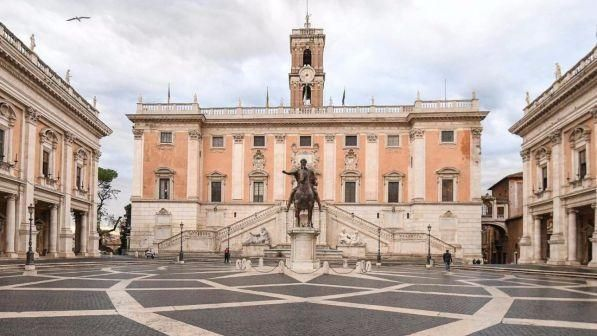 Roma, truffe e tangenti per vincere le gare di Invitalia: otto arresti