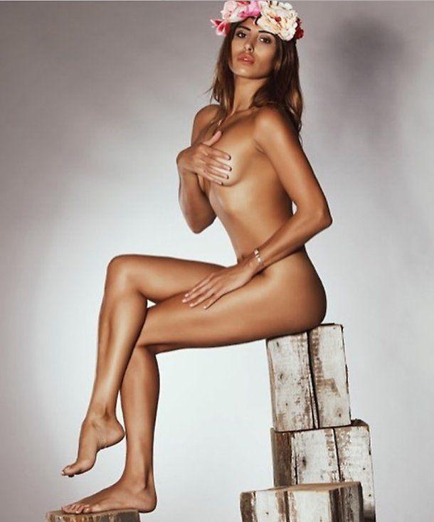 Alex Belli con la fidanzata Mila Suarez tutta nuda alle Maldive