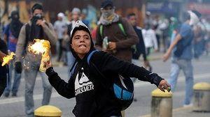 Venezuela : Nuovi scontri di piazza, la polizia ha risposto con i lacrimogeni