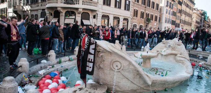 Roma devastata dai Tifosi olandesi, la rabbia dei cittadini e del Sindaco Marino