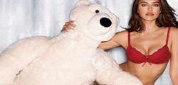 Irina Shayk sexy per Natale ... intimissimiXmas