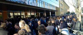 Milano, Allarme bomba alla redazione del Sole 24 Ore : Zona evacuata, artificieri sul posto