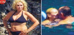 Antonella Clerici in bikini con Vittorio Garrone