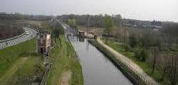 Novara : Bimbo di 3 anni muore annegato in un canale