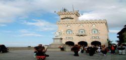 San Marino : 48enne ruba arma e si spara dopo aver scoperto marito suicida