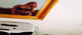 Sara Tommasi ultime notizie : la showgirl della Bocconi in bikini su Twitter