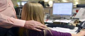 Professore bacia studentessa 15enne a scuola : Arrestato per violenza sessuale