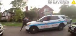 USA : Agente uccide teenager nero disarmato