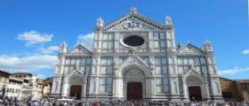 Basilica Santa Croce Firenze : Si stacca un pezzo di pietra, turista muore sul colpo
