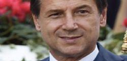 Disoccupata trova portafogli con 500 euro : Lo restituisce a Giovanni Radicchi che gli offre un lavoro