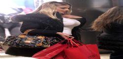 Francesca Cipriani hot : Shopping lingerie molto sexy!