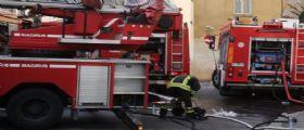 Rimini, famiglia si getta dal balcone per sfuggire a un incendio : Madre e figlio di 7 anni gravi