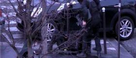 Parigi: Poliziotta investita davanti all