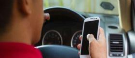 Asaps : Sequestro dello smartphone per chi telefona alla guida e immediato ritiro della patente!