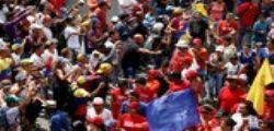 Scontri a Caracas, muore un ragazzo : è la sesta vittima
