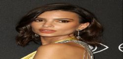 Emily Ratajkowski scollatissima all'after party dei Golden Globe