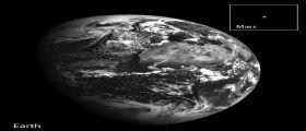 La Terra e Marte visti dalla Luna dalla sonda LRO