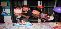 Belen Rodriguez festeggia i due anni del picco Santiago