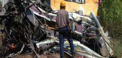 A9  - Scontro frontale tra pullman e camion : 30  feriti