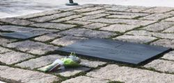 Vaticano : no gioielli con le ceneri dei defunti