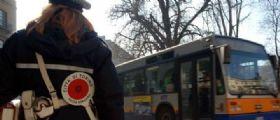 A Salerno il Sindaco Vincenzo De Luca contro le vigilesse : Basta smalto e trucco pesante