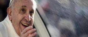 Papa Francesco malato : Padre Lombardi smentisce il tumore