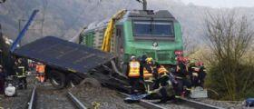 Francia, scontro tra un treno e uno scuolabus: A bordo ragazzi del liceo. Si contano morti e feriti