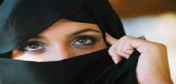 Kamillah : escort musulmana sposa i clienti e divorzia dopo 1 ora!