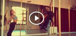 Belen Rodriguez : La mia prima volta con la pole dance - il video sexy