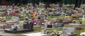 Quarto : Tenta di costruirsi una casa nel cimitero