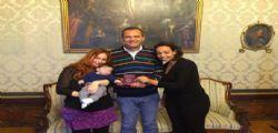 Il piccolo Ruben ha due mamme, il tribunale ha ordinato la trascrizione : Prima volta in Italia