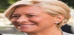 Ministra della Difesa Roberta Pinotti condanna Omofobia : Sposerò due donne