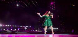 Mal di gola Laura Pausini : La cantante cancella cinque date del tour europeo