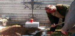 Ungheria : Funerale con sconto se la fossa la scavano i parenti!