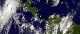 Messico : Allerta meteo per l'uragano Patricia