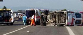 Calabria, scontro tra ambulanza e tir sulla statale 106 : 2 morti e un ferito grave