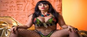 La pornostar Carmen De Luz alle Piramidi : l