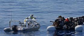 Migranti, fermati due presunti scafisti a Vibo Valentia : Barcone con circa 400 persone a bordo