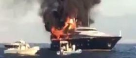 Napoli, in fiamme lo yacht di De Laurentiis : A bordo moglie, figlio e nipotini