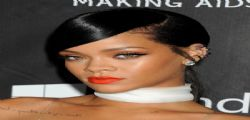 Rihanna sexy e senza veli all' Inspiration Gala di Los Angeles