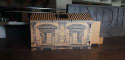 Vittorio Sgarbi : Casette di cartone ai clochard