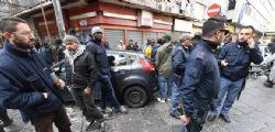 Spari in strada a Napoli : ferita bimba e tre immigrati