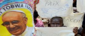 Papa Francesco parla in moschea : No a violenza in nome di Dio