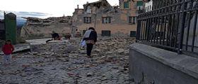 Il terremoto di oggi devasta il Centro Italia : Città rase al suolo, tre forti scosse e decine di repliche
