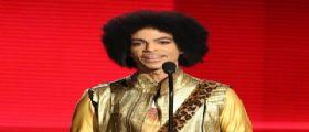 Prince sarebbe morto da solo in casa : Escluso il suicidio