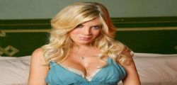 Tori Spelling : Donna di Beverly Hills in quarantena per sintomi simili all'ebola