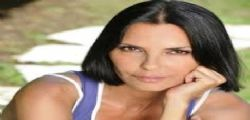 Un posto al sole : Nina Soldano hot al mare a Maccarese